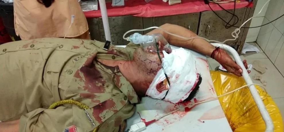 Muslim Mob assaults police
